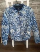 Niebiesko biała kurtka