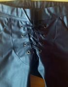 Czarne skórzane spodnie leginsy woskowane XS