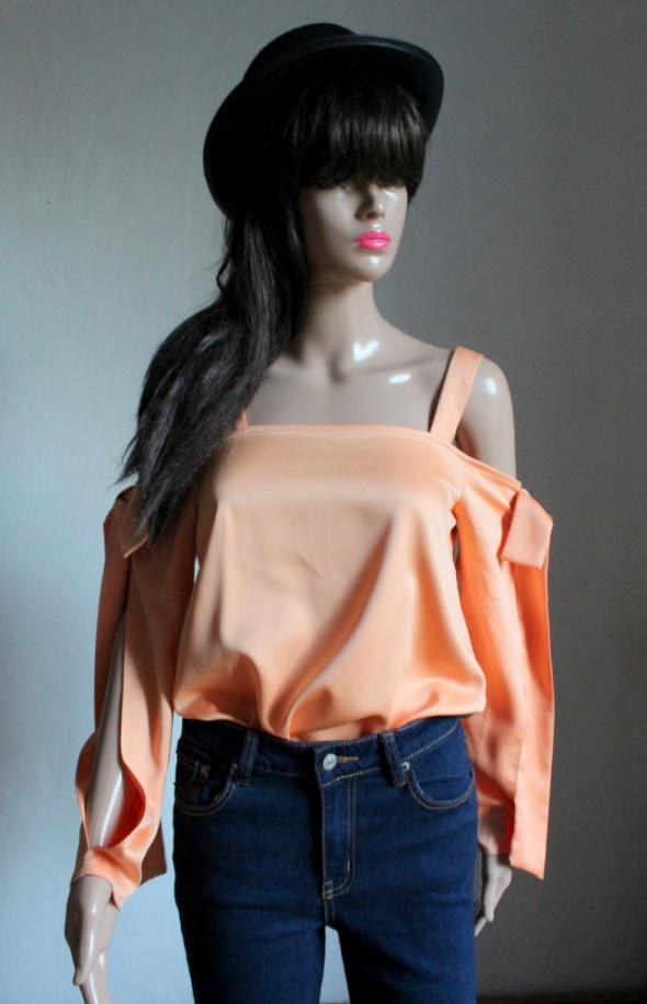 Pomarańczowa bluzeczka z gołymi ramionami r S...
