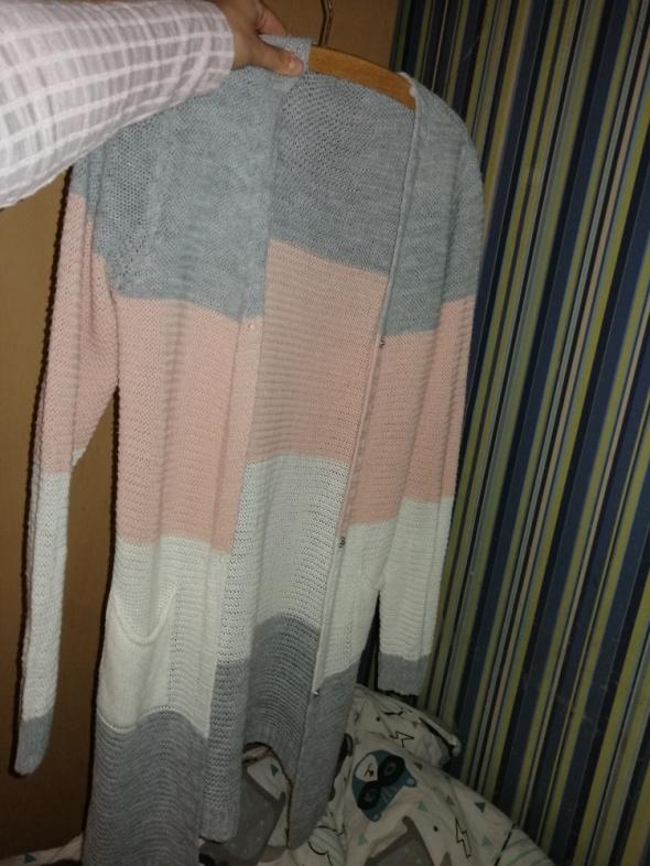 Sweterek uni...