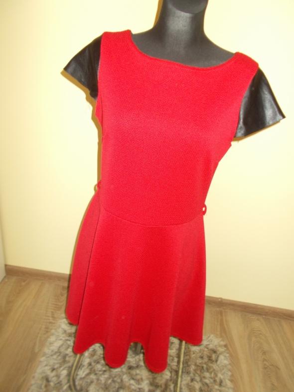 Czerwona sukienka Atmosphere 42