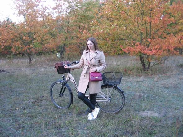Blogerek Jesienna stylizacja z trenczem