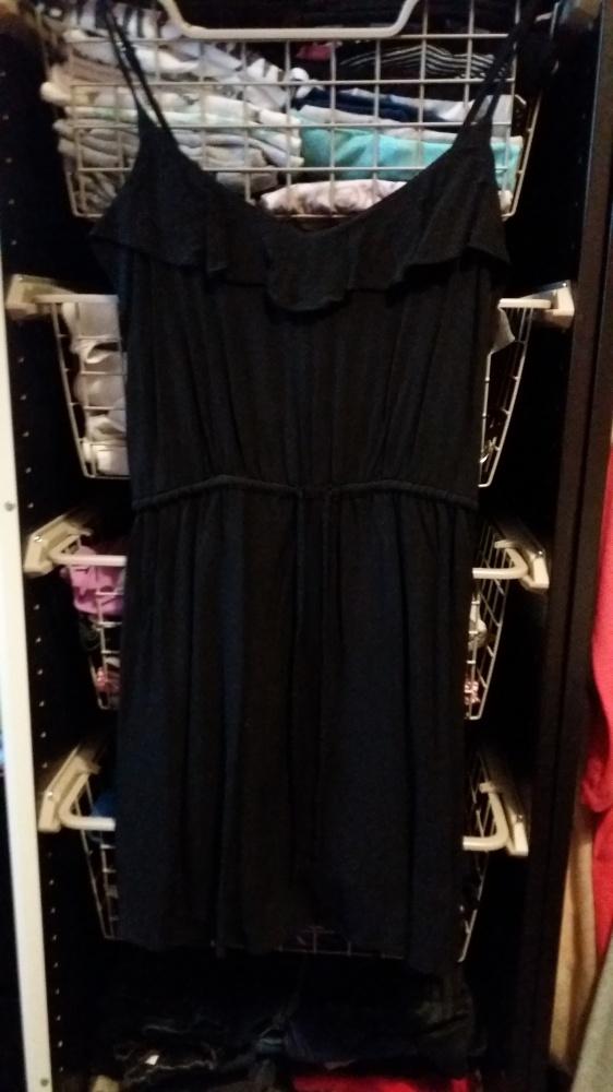 Czarna zwiewna sukienka HM S 36