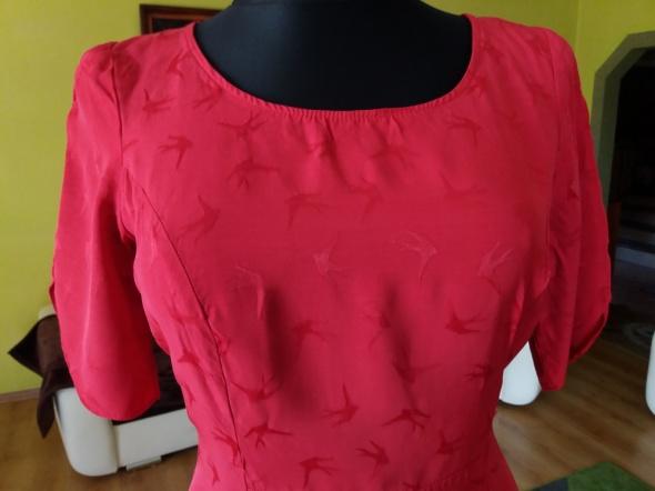 Czerwona sukienka w jaskółki ASOS Tall 42XL...
