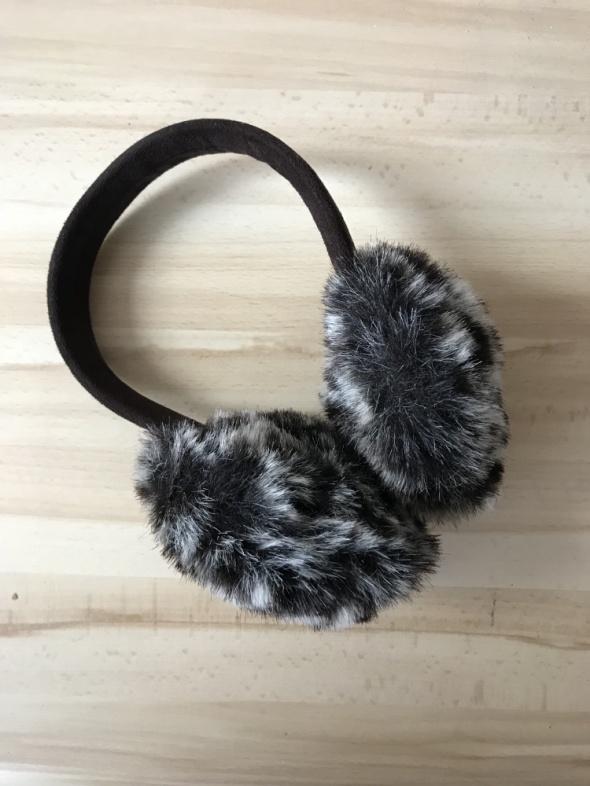 Nakrycia głowy Nauszniki z futerkiem idealne na zimę
