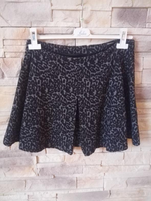 Spódnice Mango spódnica mini rozkloszowana r 38