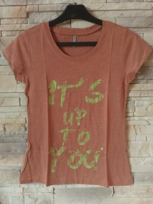 T-shirt CARRY Tshirt XS jak nowy