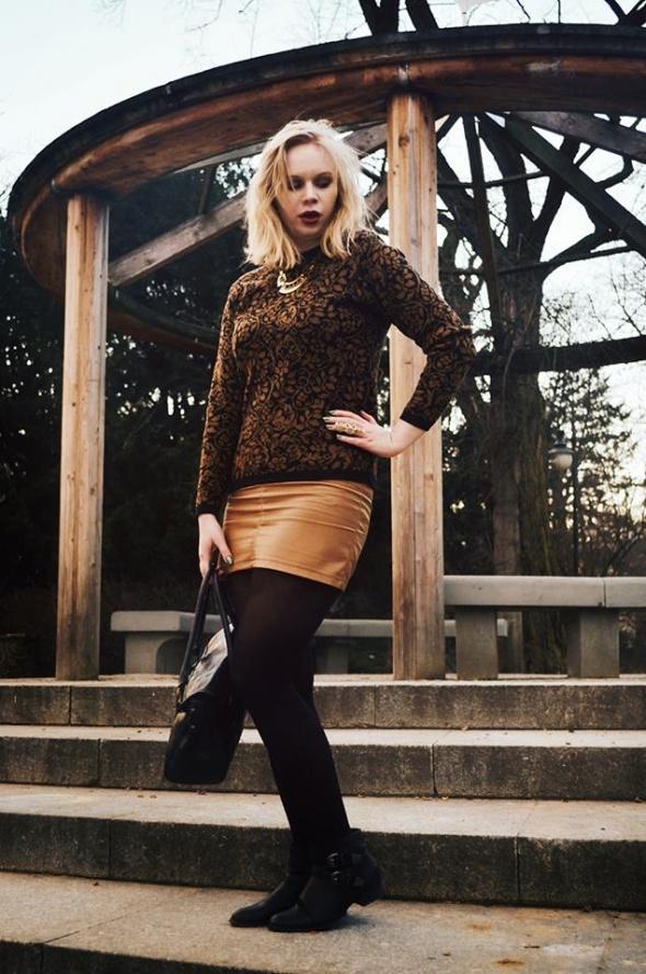 Sweter vintage w ornamenty 42