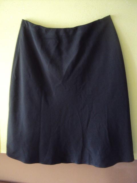 Spódnice czarna rozkloszowana spódnica