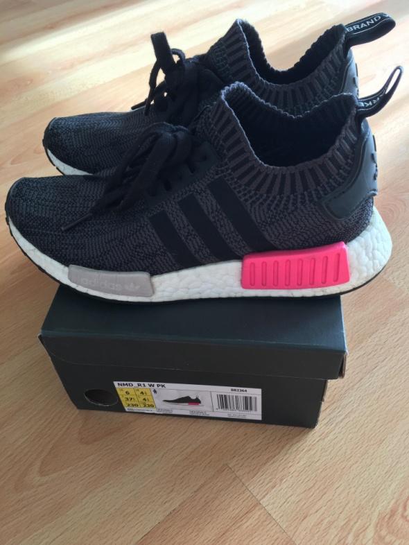 Adidas nmd...