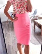 Różowa spódniczka midi prążkowana neonowa uniwersalna...