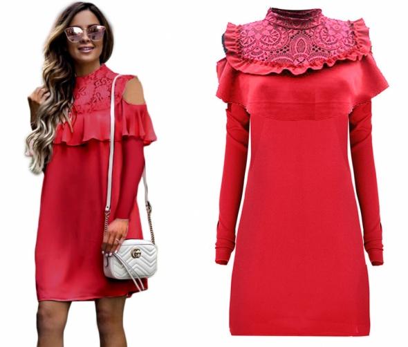 Czerwona sukienka koronka odkryte ramiona