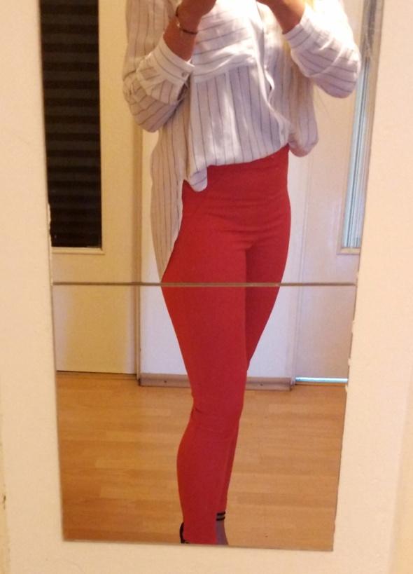Spodnie rurki czerwone 34...