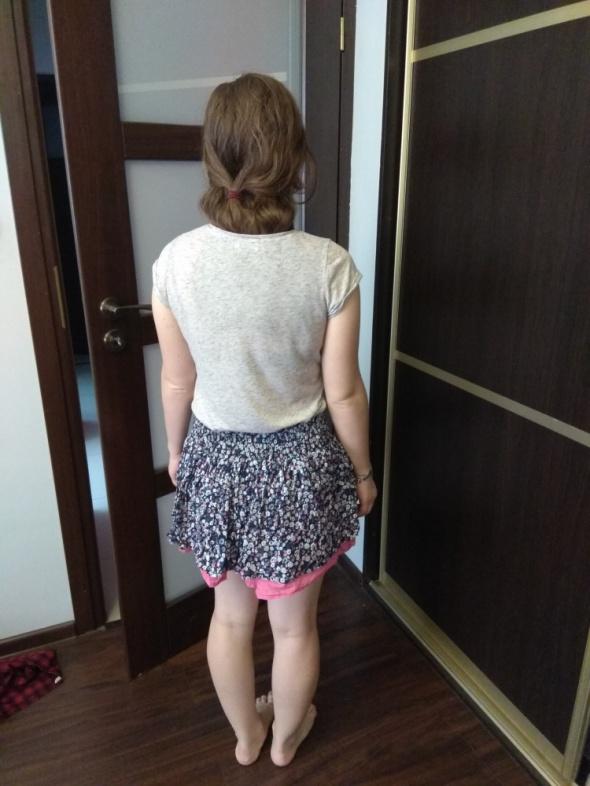 Spódnice Spódnica rozkloszowana w kwiaty