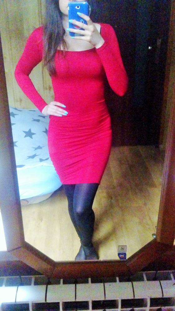 Czerwona sukienka tuba elastyczna