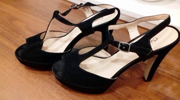 czarne zamszowe sandały 39 Centro