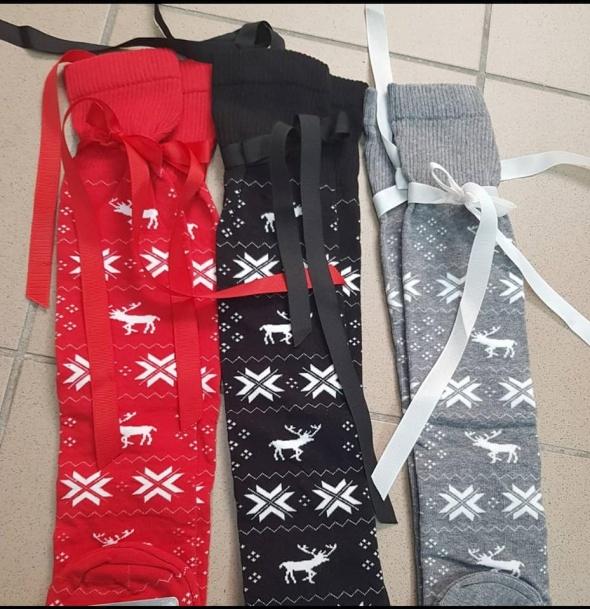 świąteczne skarpety skarpetki renifery czerwone szare czarne zakolanówki