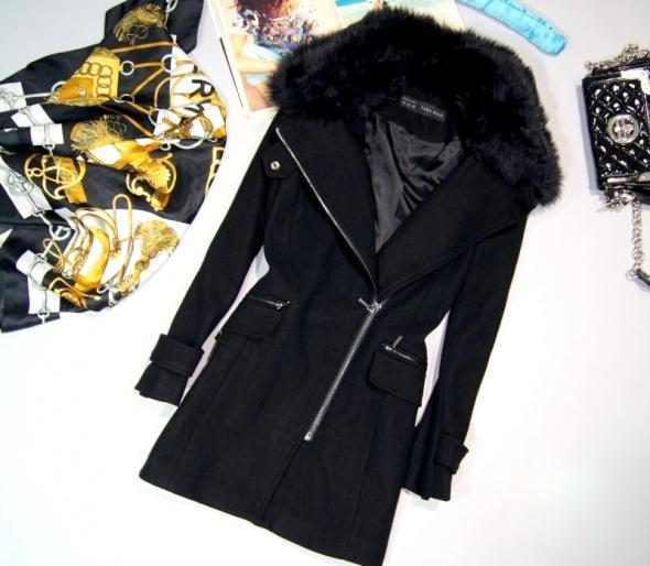 Płaszcz wełniany ZARA z futerkiem rozmiar XS