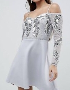Cekinowa sukienka open shoulder Asos...