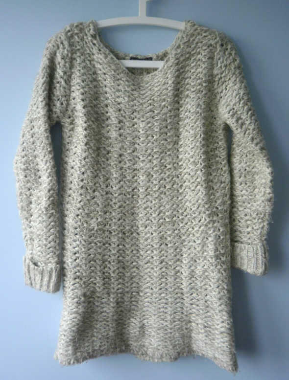 Atmosphere nude beżowy sweter gruby oversize