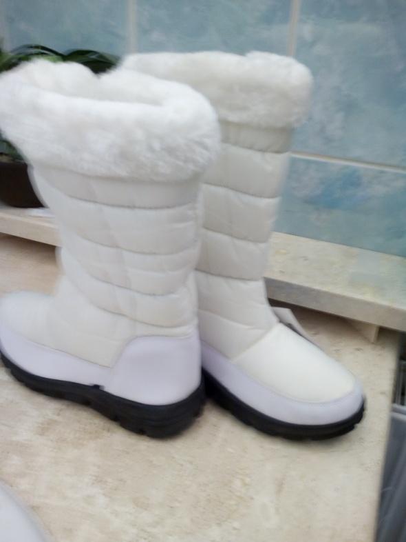 Bielutkie śniegowce ocieplane futerkiem 36