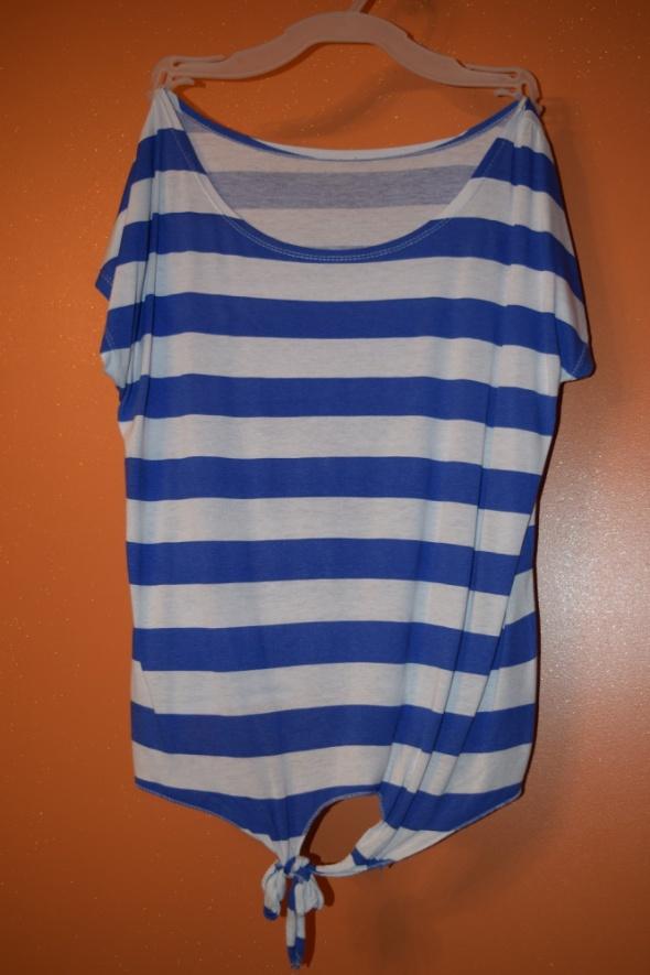 Biało niebieski t shirt w paski rozmiar 38 40 42