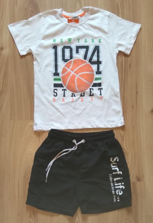 Biała bluzka i czarne krótkie spodenki chłopięce