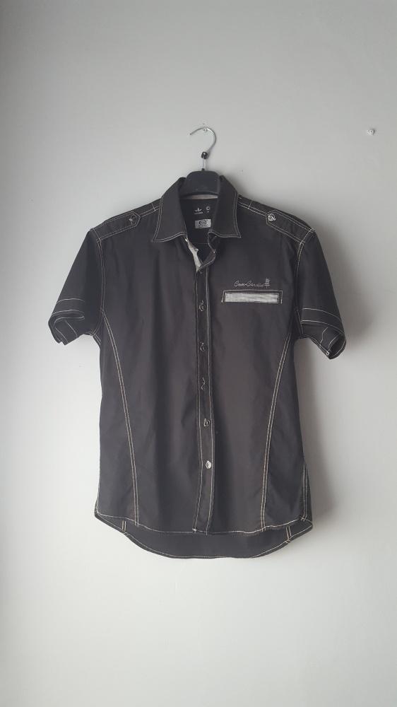 Idealna czarna męska koszula