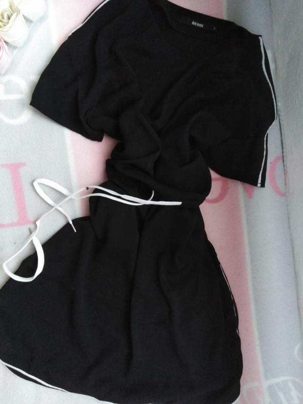 Czarna sukienka sportowa s m Bik bok