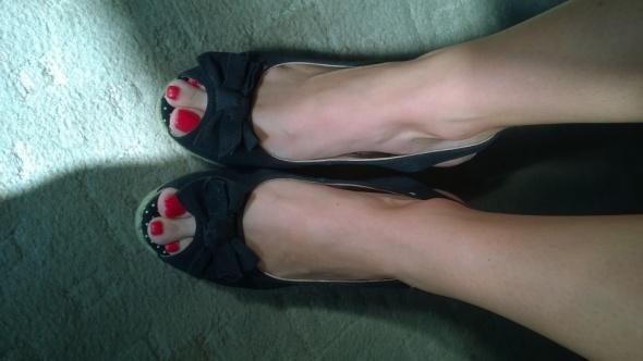 Koturny czarne z kokardą sandały 38 ccc...