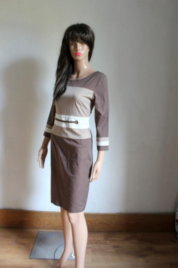 Elegancka jasnobrązowa sukienka midi rękawki trzy czwarte r około M