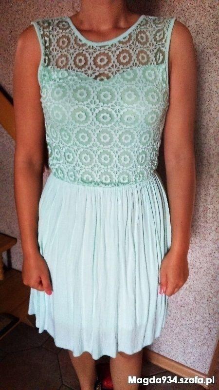 sukienka miętowa zwiewna koronka
