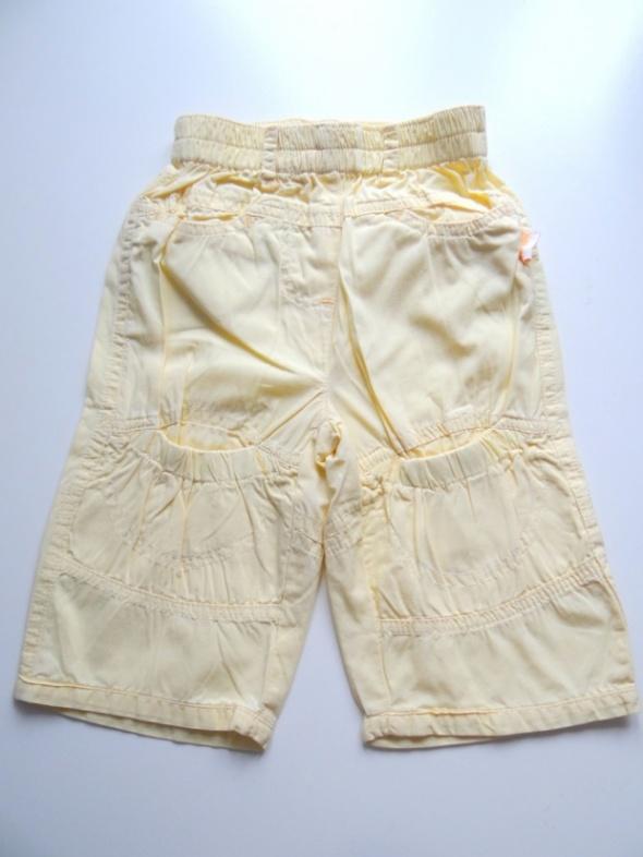 Spodnie rozmiar 68 od 4 do 6 miesięcy