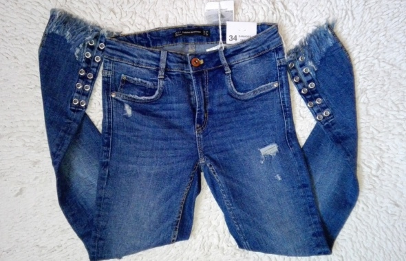 Nowe jeansy Zara przetarcia strzępienia rozmiar XS