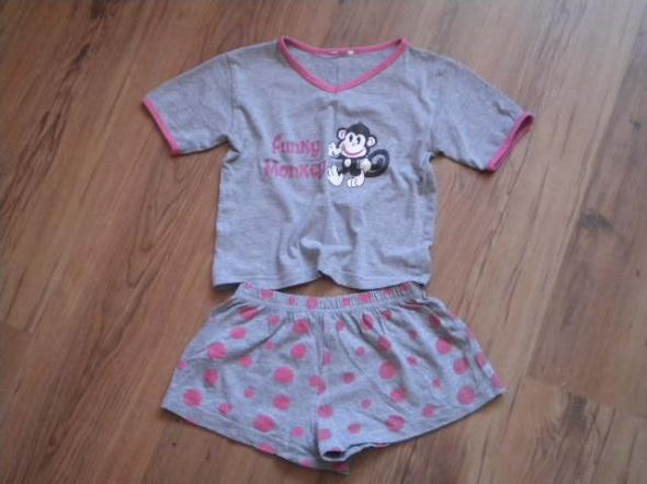 Piżamki piżama rozmiar 110 szara z małpką