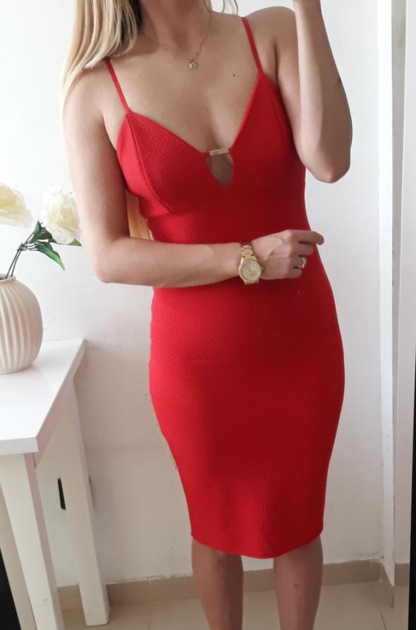 New look sukienka czerwona na ramiączkach dopasowana M