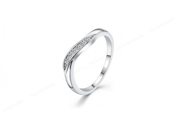 Nowy skromny pierścionek elegancki srebrny kolor cyrkonie białe kryształki