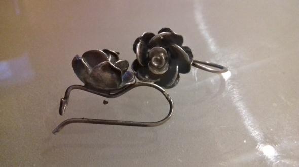 SREBRO kolczyki z motywem róż