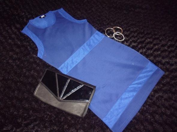 kobaltowa sukienka siateczka...
