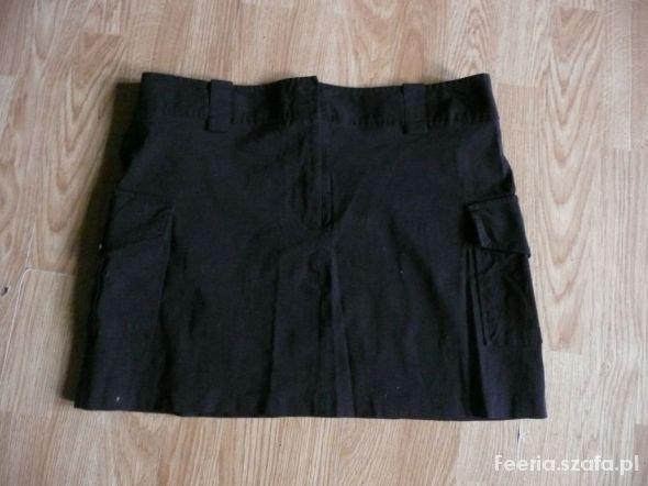mini spódnica z kieszeniami...