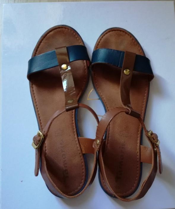 Sandały skórzane Tamaris 39...