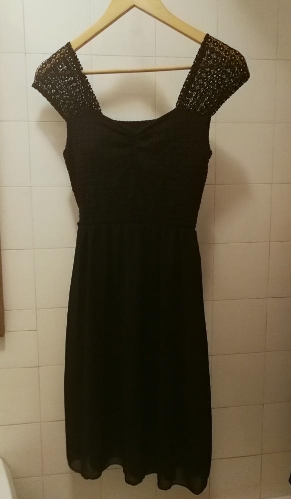 czarna sukienka na przeźroczystych ramiączkach NOWA