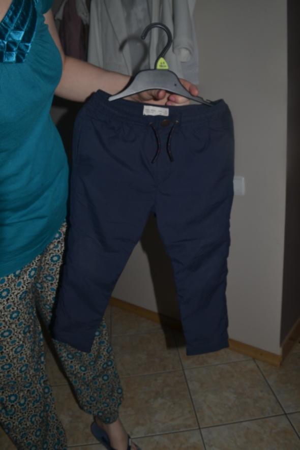 Zara granatowe spodnie 104cm 3 4 latka eleganckie