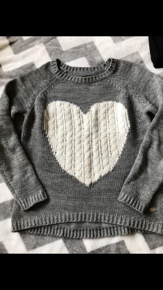 Szary sweter house S serce...
