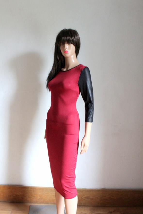 Elegancka bordowa sukienka midi r XS