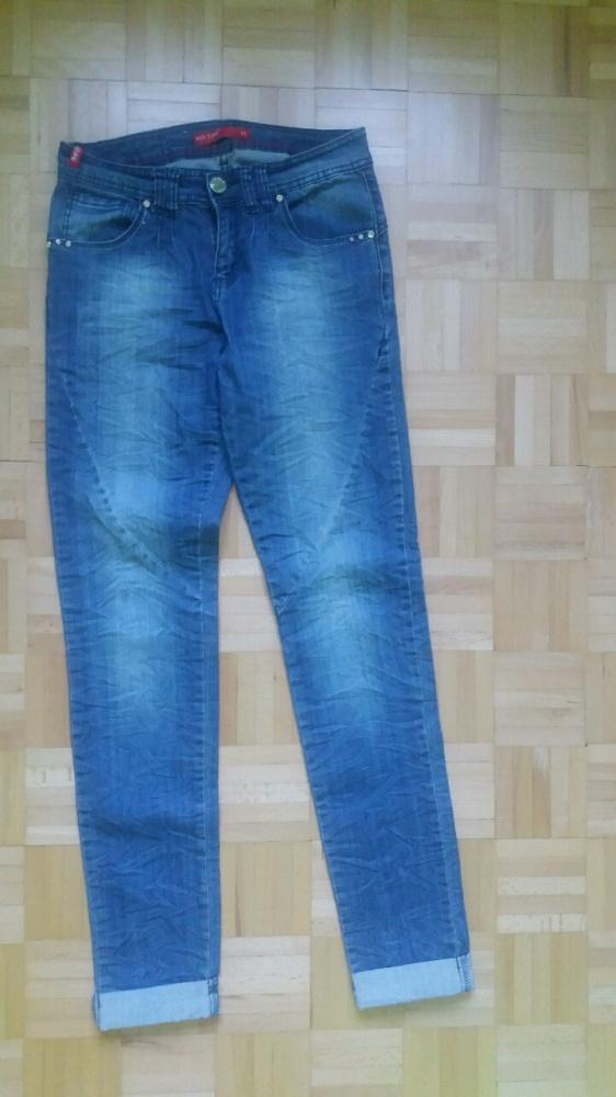 Modne jeansy Wow