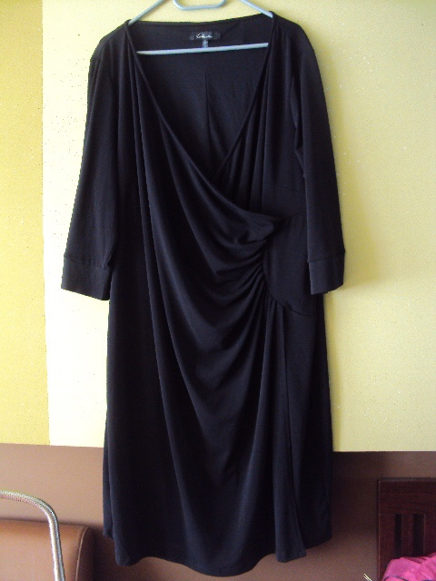 wizytowa drapowana sukienka