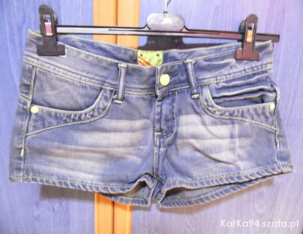 Spodenki Oryginalne jeansowe spodenki Umbro