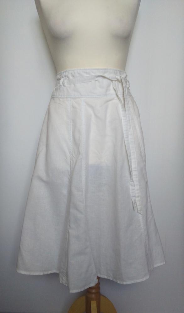 Spódnice Śliczna biała rozkloszowana spódnica New Look