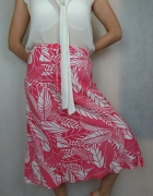 Piękna midi spódnica w kwiaty Marks Spencer...